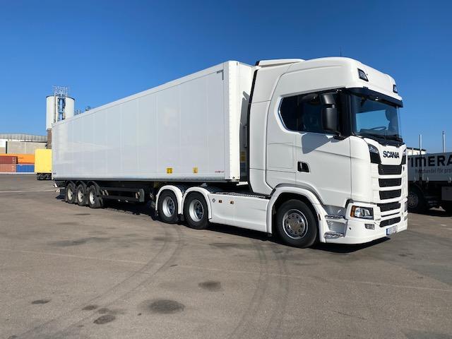 NY Scania Dragbil S580 årsm 2020 Beg Schmitz Cargobull trailer